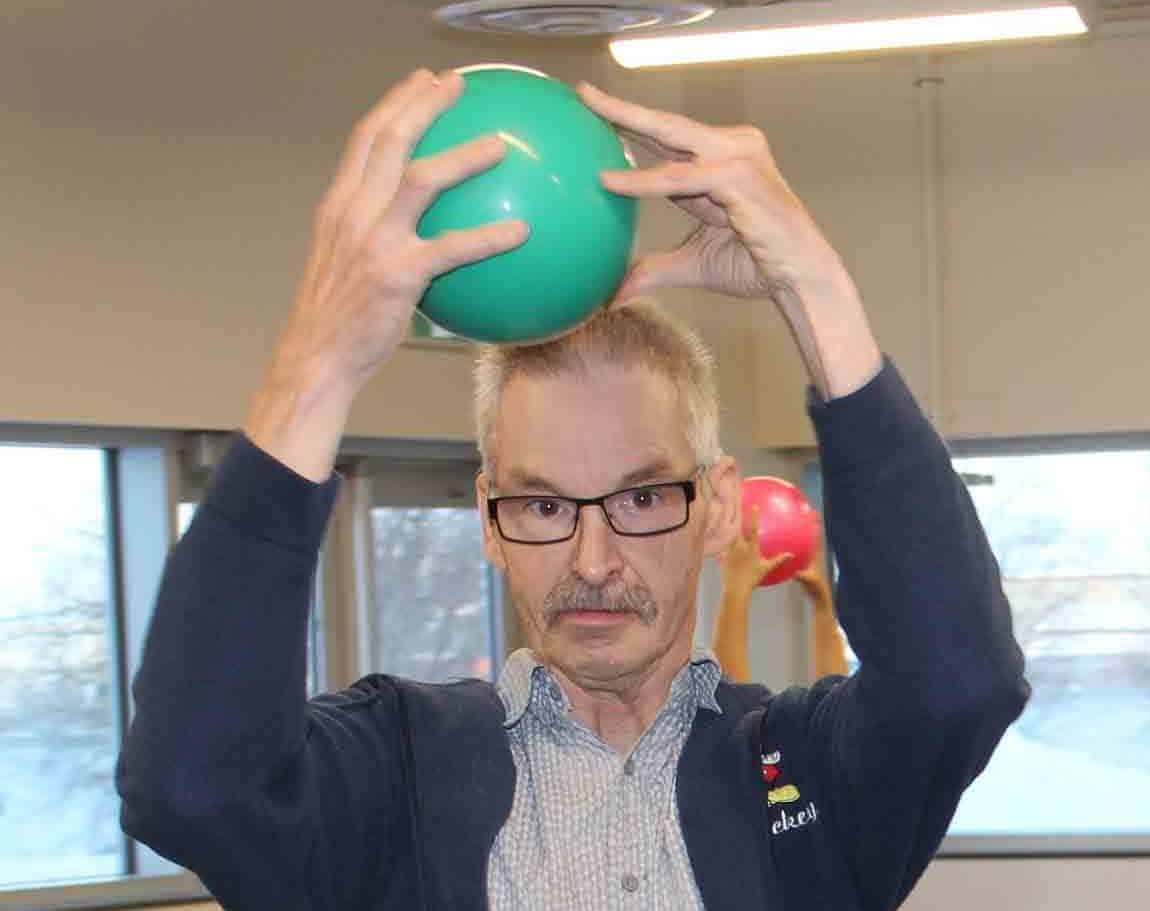 Jeff Ashby participated in a 'Try-It Day' event presented in Hay River on Dec. 8 by NWT Special Olympics. The demonstrations included rhythmic gymnastics and swimming. Paul Bickford/NNSL photo