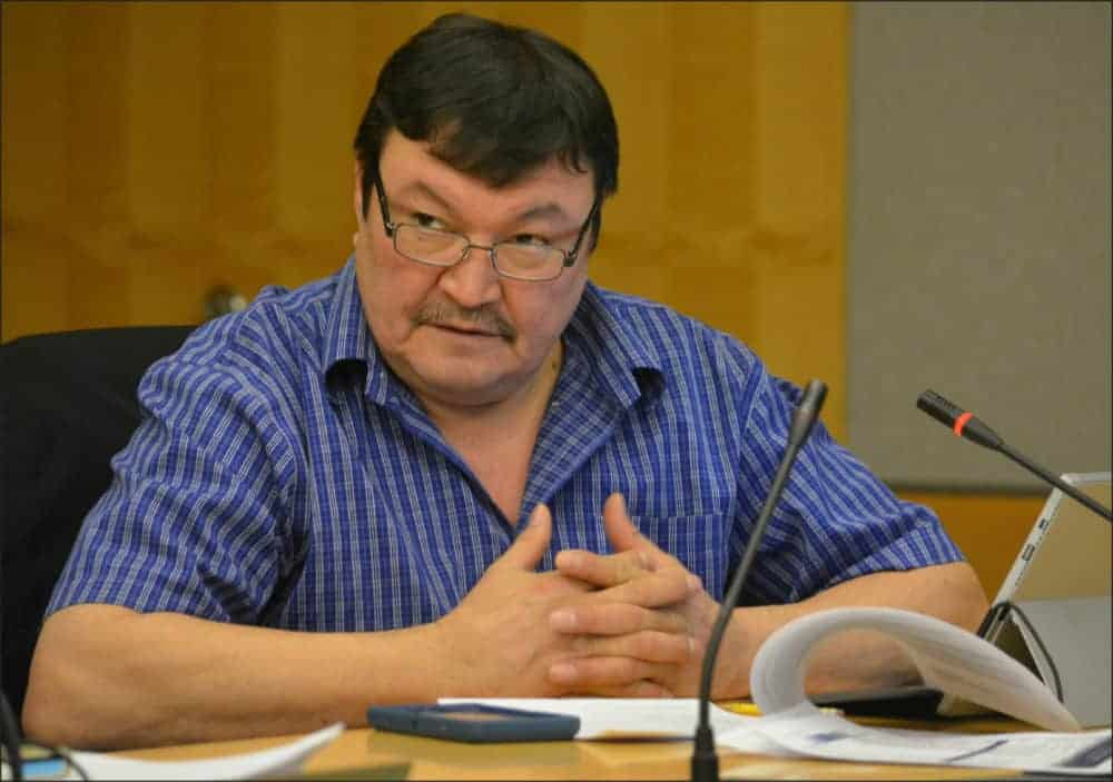 Sahtu MLA Daniel McNeely pushed for decisive action on dwindling caribou numbers during a Dec. 7 committee meeting on Bathurst and Boreal caribou range plans in Yellowknife. Avery Zingel/NNSL photo